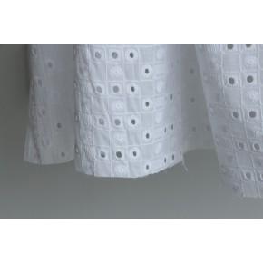 cotons brodés blancs