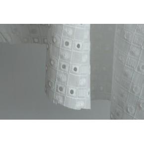 tissu brodé en coton