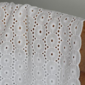broderie anglaise émilie blanche