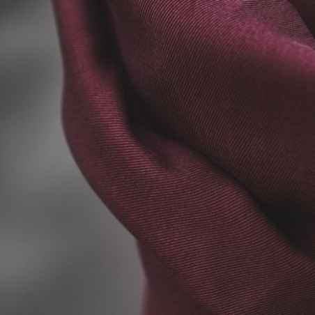 smooth drape twill maroon - meetmilk
