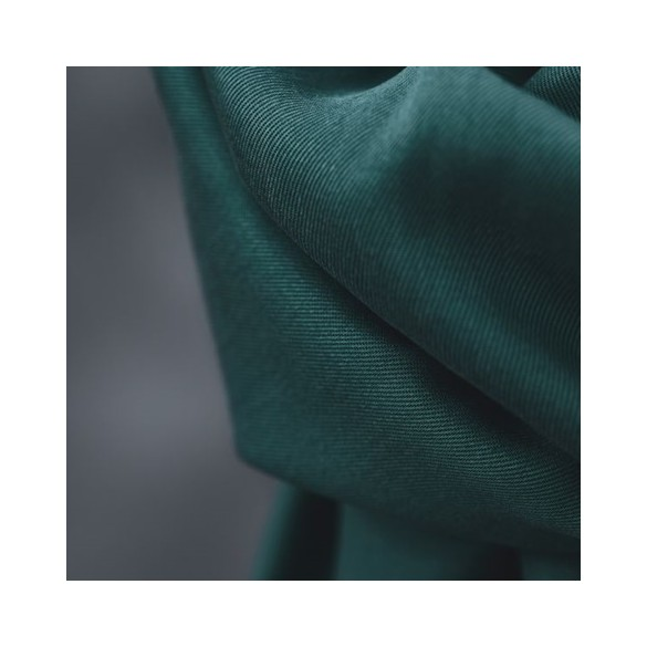 smooth drape twill emerald - meetmilk