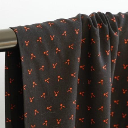 tissu viscose imprimé noir et fleurs rouges