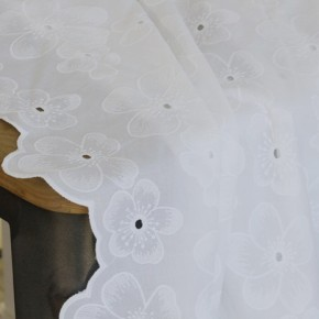 Coton brodé fleurs Alice - écru
