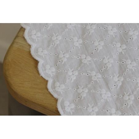 coton brodé fleurs - blanc