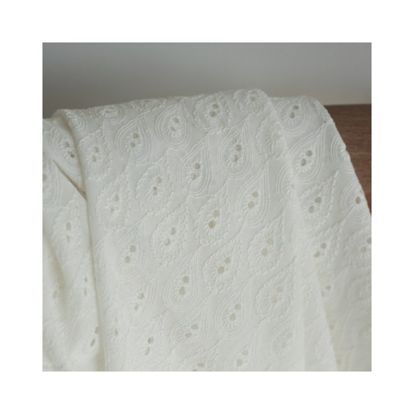 tissu broderie anglaise - écru