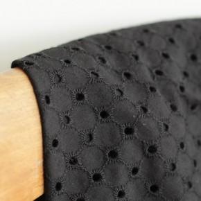 tissu brodé noir - domitille