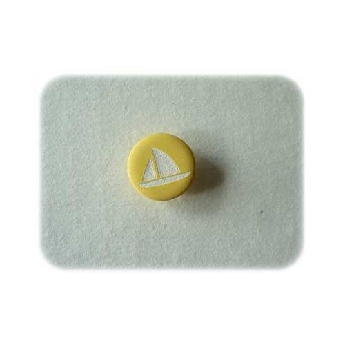 Petit bateau jaune