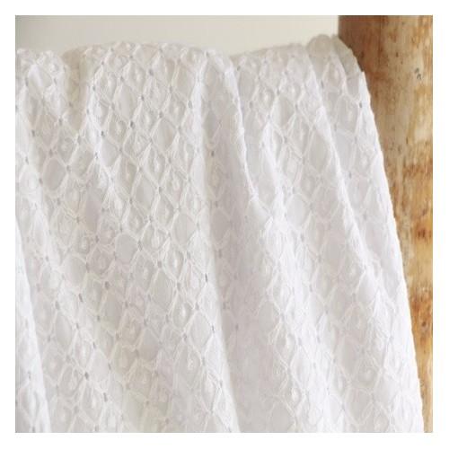 3b43548fa70 Tissu en broderie anglaise - Eugénie blanc