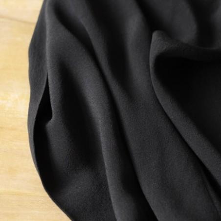 crêpe de viscose noir